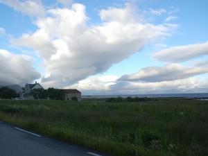 Bauernhof an der Küstenstraße